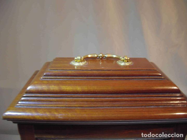 Relojes de carga manual: RELOJ MESA URNA MADERA - Foto 3 - 184380896