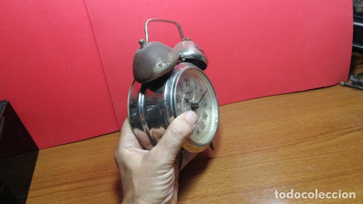 Relojes de carga manual: Reloj despertador de la guerra civil española, marca EL AGUILA, años 30 - Foto 3 - 184818558