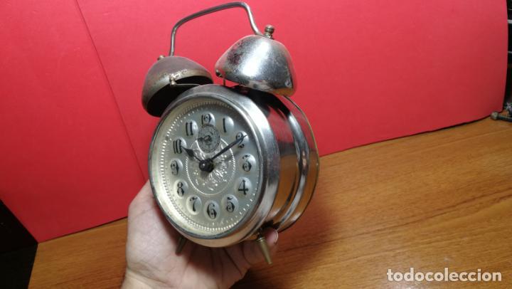 Relojes de carga manual: Reloj despertador de la guerra civil española, marca EL AGUILA, años 30 - Foto 6 - 184818558