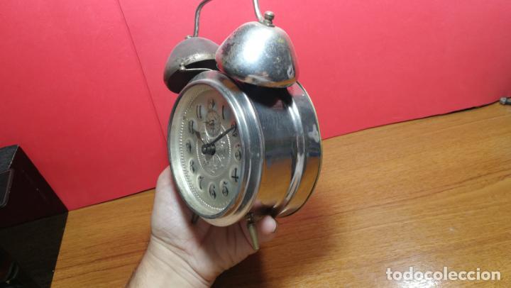 Relojes de carga manual: Reloj despertador de la guerra civil española, marca EL AGUILA, años 30 - Foto 7 - 184818558