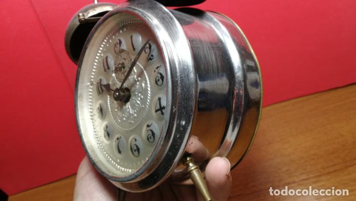Relojes de carga manual: Reloj despertador de la guerra civil española, marca EL AGUILA, años 30 - Foto 9 - 184818558
