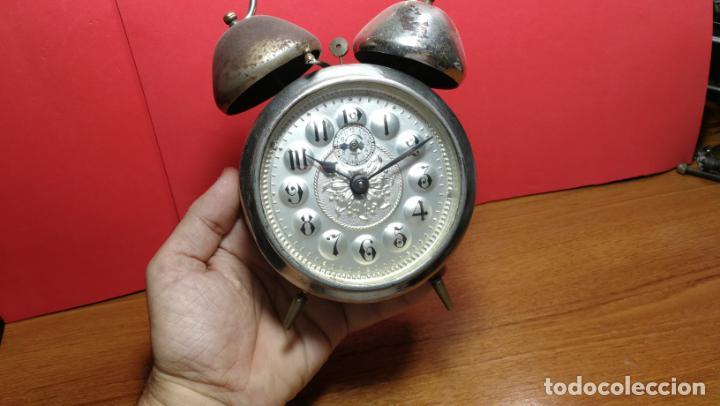 Relojes de carga manual: Reloj despertador de la guerra civil española, marca EL AGUILA, años 30 - Foto 10 - 184818558