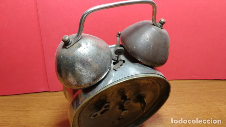Relojes de carga manual: Reloj despertador de la guerra civil española, marca EL AGUILA, años 30 - Foto 20 - 184818558