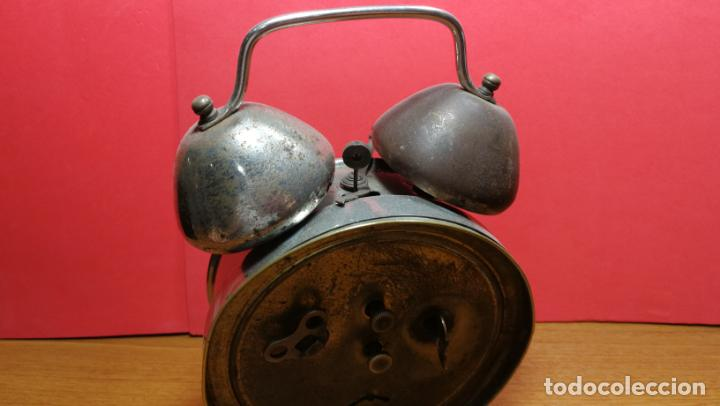 Relojes de carga manual: Reloj despertador de la guerra civil española, marca EL AGUILA, años 30 - Foto 22 - 184818558