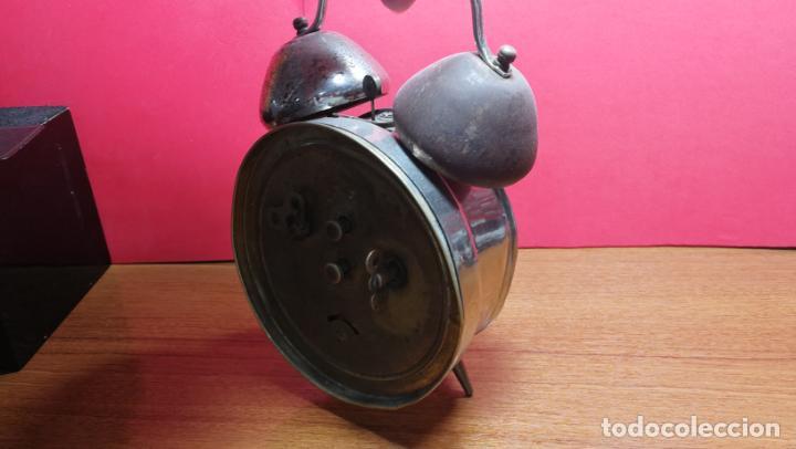 Relojes de carga manual: Reloj despertador de la guerra civil española, marca EL AGUILA, años 30 - Foto 26 - 184818558