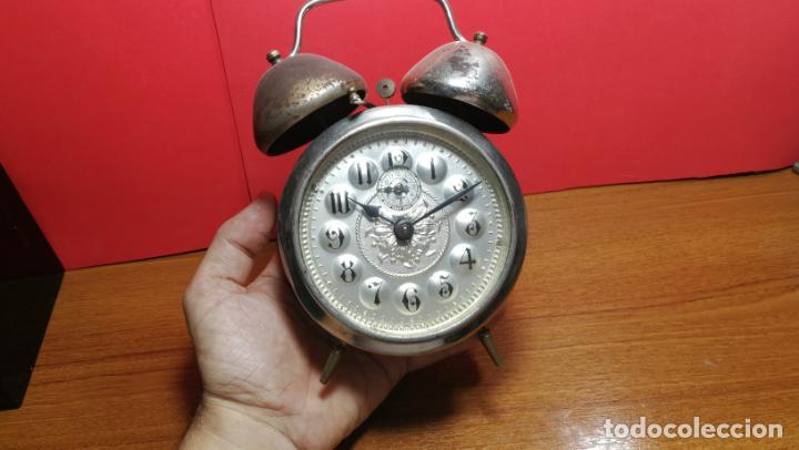 Relojes de carga manual: Reloj despertador de la guerra civil española, marca EL AGUILA, años 30 - Foto 41 - 184818558