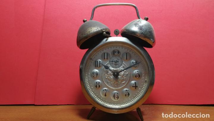 Relojes de carga manual: Reloj despertador de la guerra civil española, marca EL AGUILA, años 30 - Foto 46 - 184818558