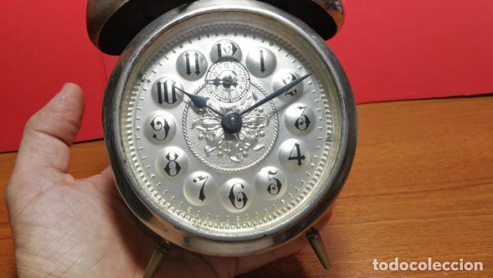 Relojes de carga manual: Reloj despertador de la guerra civil española, marca EL AGUILA, años 30 - Foto 47 - 184818558