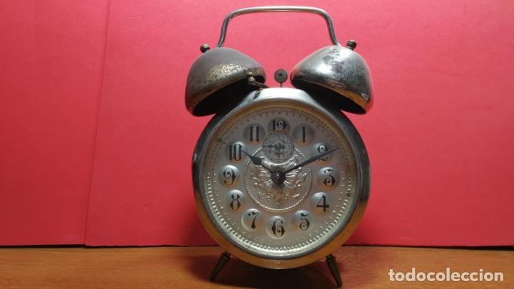 Relojes de carga manual: Reloj despertador de la guerra civil española, marca EL AGUILA, años 30 - Foto 50 - 184818558