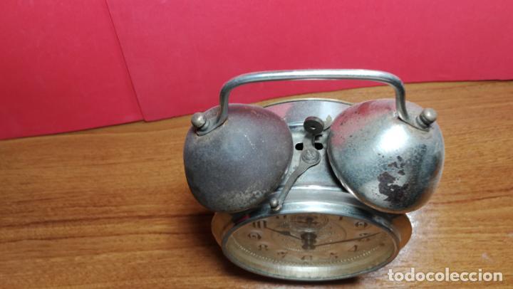 Relojes de carga manual: Reloj despertador de la guerra civil española, marca EL AGUILA, años 30 - Foto 53 - 184818558