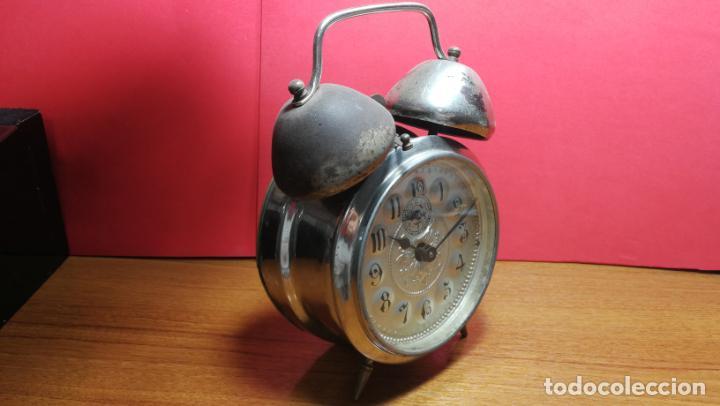 RELOJ DESPERTADOR DE LA GUERRA CIVIL ESPAÑOLA, MARCA EL AGUILA, AÑOS 30 (Relojes - Sobremesa Carga Manual)