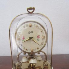 Relojes de carga manual: ANTIGUO RELOJ MESA MECÁNICO ALEMÁN DE CUERDA QUE DURA 400 DÍAS AÑOS 40 - 50 MARCA SCHATZ Y FUNCIONA. Lote 186089312