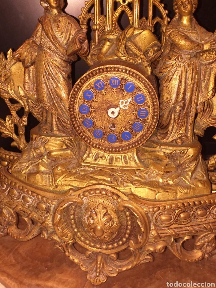 Relojes de carga manual: Reloj de bronce pegada en mármol - Foto 2 - 186189853