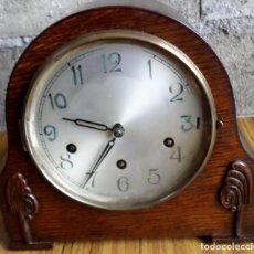 Relojes de carga manual: RELOJ DE MESA - DE MADERA ROBLE EN BUEN ESTADO - ESTÁ EN FUNCIONAMIENTO. Lote 55936412