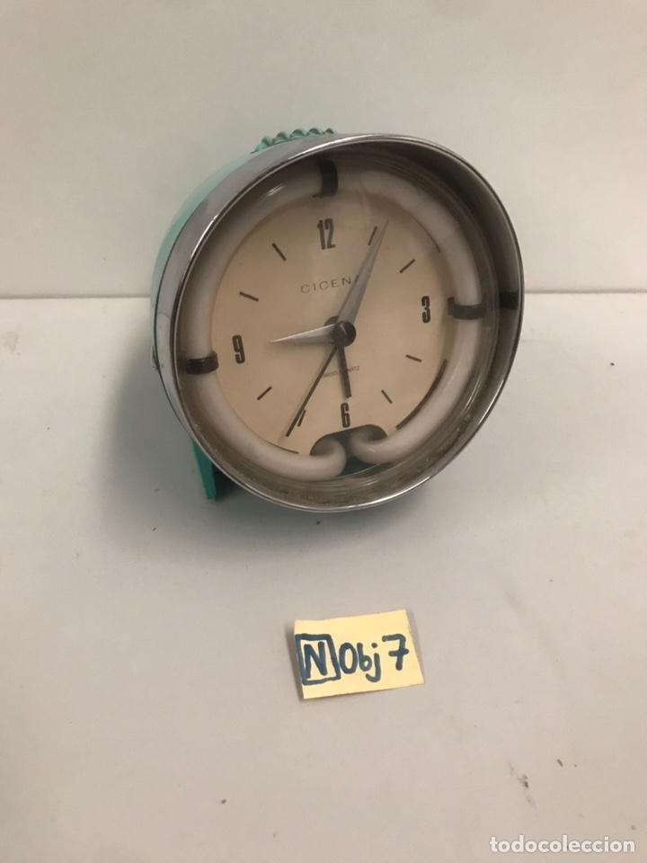 ANTIGUO RELOJ RETRO VINTAGE (Relojes - Sobremesa Carga Manual)