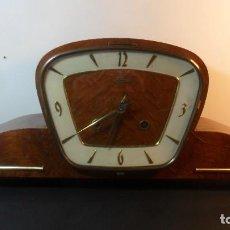 Relojes de carga manual: RELOJ DE SOBREMESA / CHIMENEA - HERMLE – SEMICARRILLON - FUNCIONA. Lote 187819157