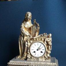 Relojes de carga manual: RELOJ DE SOBREMESA DE BRONCE DORADO DUBOIS LEGRES SIGLO XIX. Lote 189254432