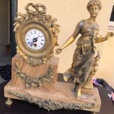 Relojes de carga manual: BONITO RELOJ DE CHIMENEA, BRONCE, DORADO AL MERCURIO, LEER DESCRIPCIÓN. Lote 189682576