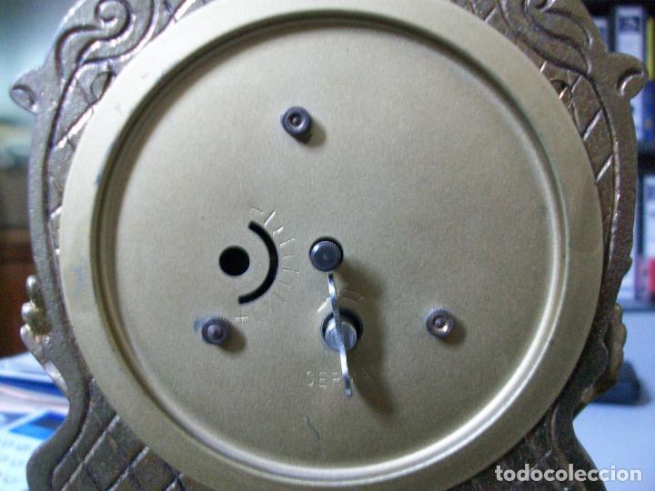 Relojes de carga manual: RELOJ BRONCE - NO FUNCIONA - PIE DE MADERA - MARCA GERMANY - Foto 6 - 28488325