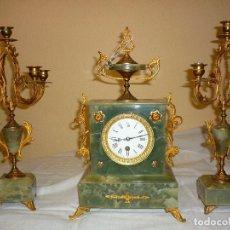 Relojes de carga manual: RELOJ ONIX CON CANDELABROS. Lote 190379750