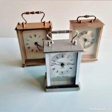 Relojes de carga manual: TRES RELOJES ALEMANES Y BRITANICOS METALICOS A PILA - 13.CM ALTO APROX. Lote 190526333