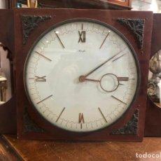 Relojes de carga manual: ANTIGUO RELOJ DE CUERDA KIENZELE CON BASE DE CAOBA FUNCIONANDO PERFECTAMENTE - MEDIDA TOTAL 33X22 CM. Lote 190611932