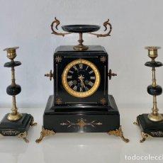 Relojes de carga manual: RELOJ DE MARMOL NAPOLEON III CON CANDELABROS. Lote 190976473