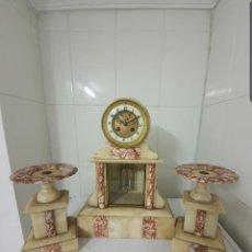 Relojes de carga manual: RELOJ ANTIGUO DE NOTARIO CASI A ESTRENAR DE MÁRMOL Y ÓNIX TAMAÑO PEQUEÑO FUNCIONA ALTA COLECCIÓN . Lote 191088257