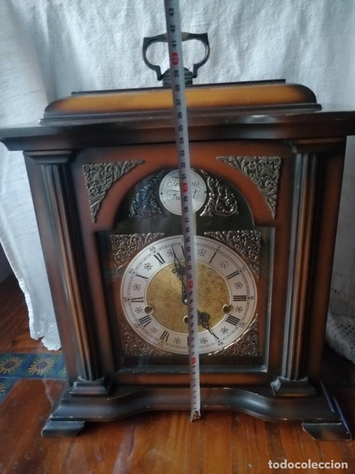Relojes de carga manual: ANTIGUO RELOJ DE SOBREMESA TEMPUS FUGIT.SONIDO TIPO WESTMINSTER .TOCA TAMBIÉN LOS CUARTOS. - Foto 5 - 191318551
