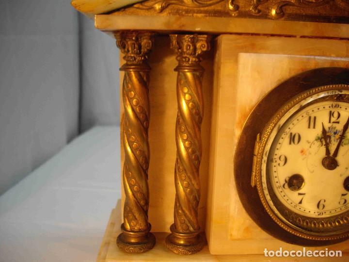 Relojes de carga manual: RELOJ MESA MARMOL BLANCO JASPEADO - Foto 3 - 192256823
