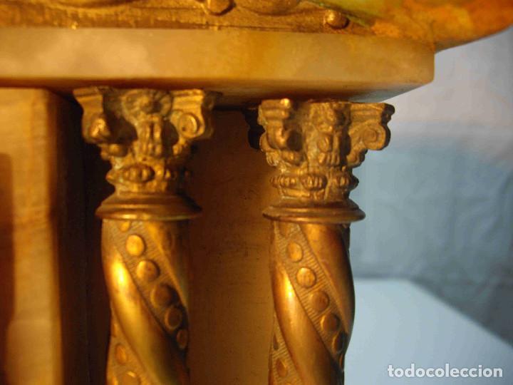 Relojes de carga manual: RELOJ MESA MARMOL BLANCO JASPEADO - Foto 7 - 192256823