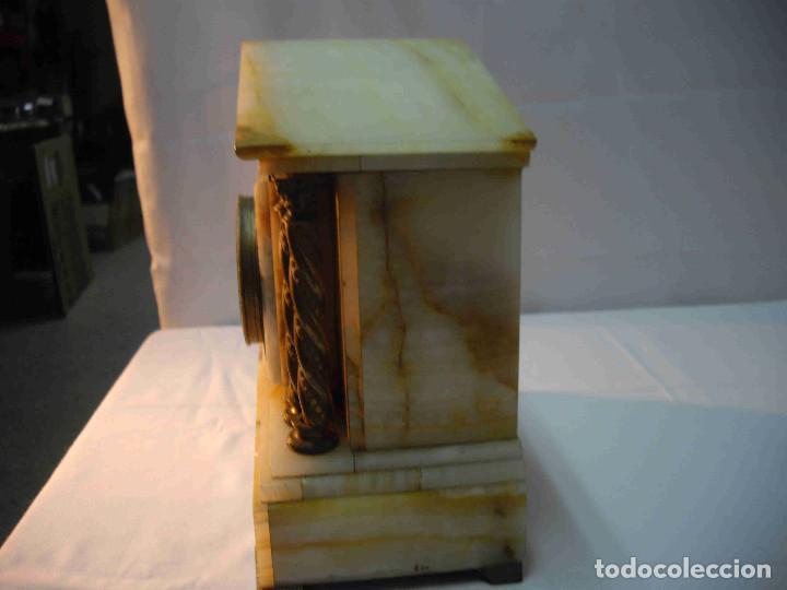 Relojes de carga manual: RELOJ MESA MARMOL BLANCO JASPEADO - Foto 11 - 192256823