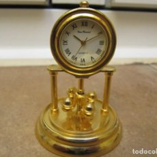 Relojes de carga manual: RELOJ DE COLECCIÓN EN MINIATURA DE SOBREMESA CON DISEÑO ANTIGUO. Lote 192756638