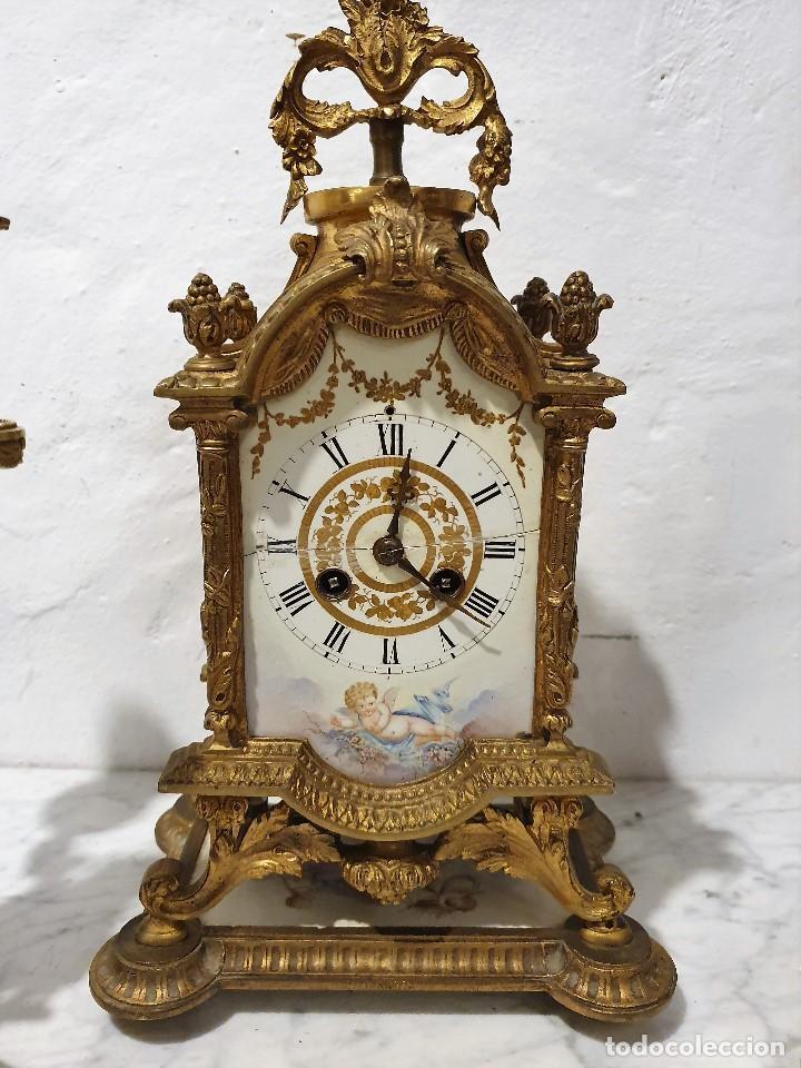 Relojes de carga manual: ANTIGUO RELOJ DE SOBREMESA DE PORCELANA Y BRONCE CON GUARNICION - Foto 5 - 193002816