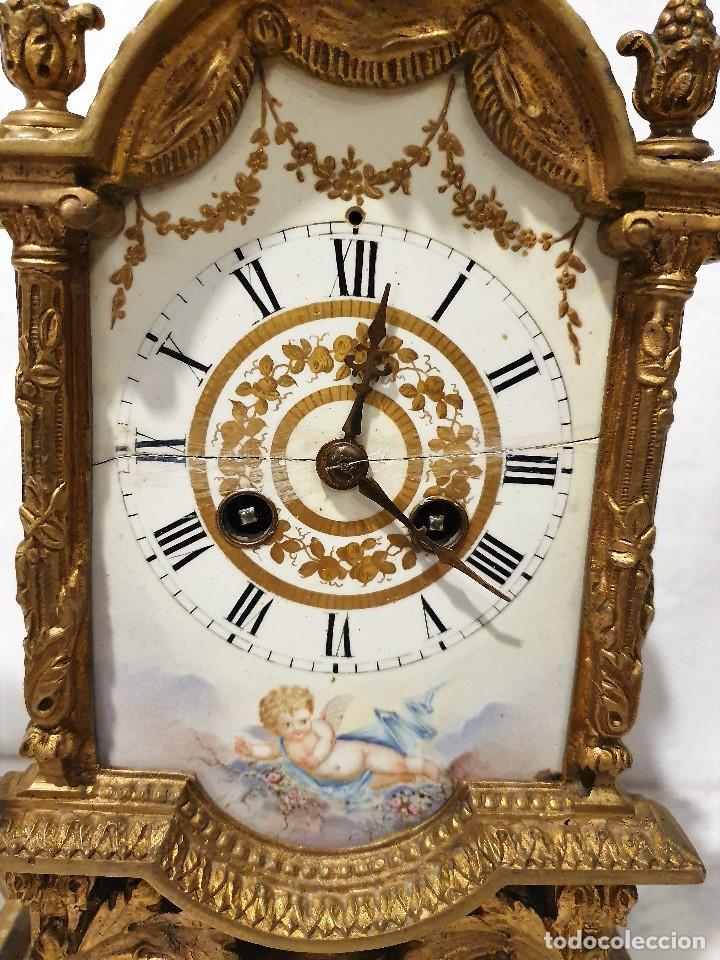 Relojes de carga manual: ANTIGUO RELOJ DE SOBREMESA DE PORCELANA Y BRONCE CON GUARNICION - Foto 6 - 193002816