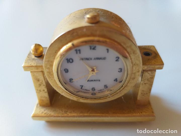 RELOJ DE COLECCION EN MINIATURA RELOJ DE SOBREMESA. MARCA PATRICK ARNAUD. QUARTZ (Relojes - Sobremesa Carga Manual)
