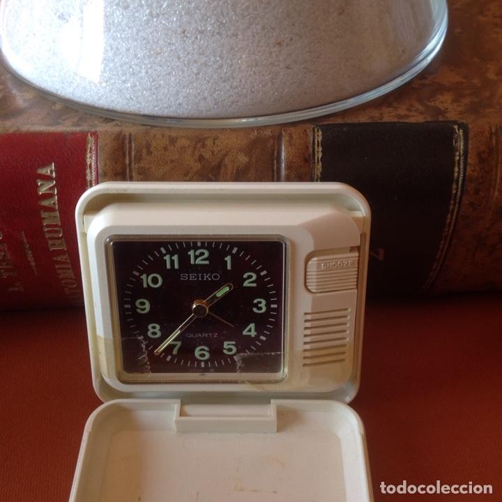 Relojes de carga manual: Dos relojes despertador antiguos - Foto 4 - 194225962