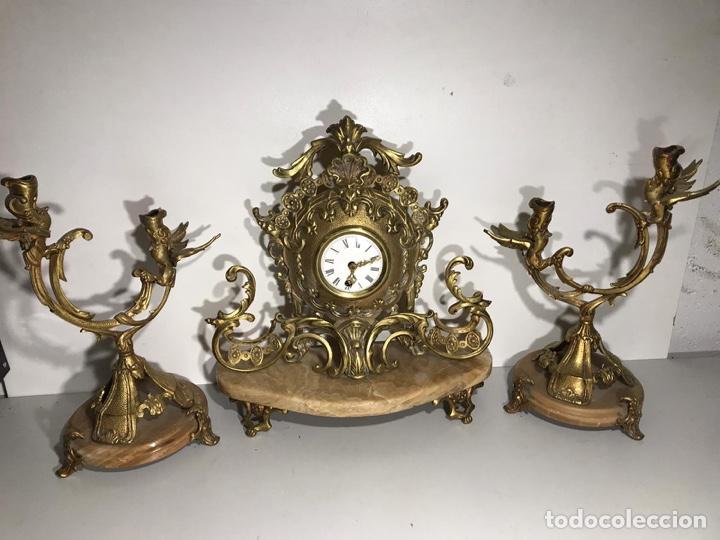 JUEGO DE RELOJ Y CANDELABROS BARROCO RELOJ CON SONERIA (Relojes - Sobremesa Carga Manual)