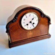 Relojes de carga manual: RELO DE MESA VINTAGE ARMASON DE MADERA QUARTZ - 29 X 23 X 12.CM SIN CRISTAL A PILAS - SI FUNCIONA. Lote 194531677