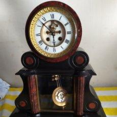 Relojes de carga manual: ANTIGUO RELOJ DE NOTARIO MÁRMOL NEGRO Y ROJO SIGLO XIX. Lote 194649128