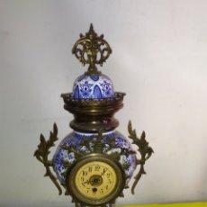 Relojes de carga manual: ESPECTACULAR RELOJ FRANCÉS BRONCE Y ESMALTADO SIGLO XIX. Lote 194650323