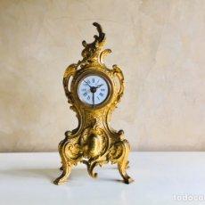 Relojes de carga manual: RELOJ DE SOBREMESA FRANCES DE BRONCE ESTILO ISABELINO CON MÁQUINA MECÁNICA Y DESPERTADOR. Lote 194657703
