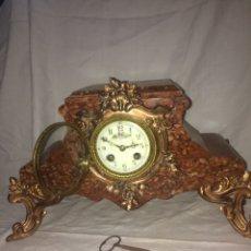 Relojes de carga manual: ANTIGUO RELOJ DE MARMOL CON CANDELABROS!. Lote 194732178
