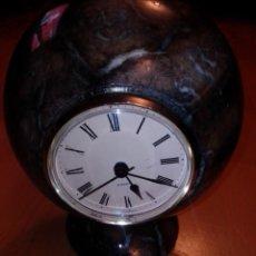 Relojes de carga manual: ESFERA DE MÁRMOL CON RELOJ. VER DESCRIPCIÓN. Lote 195048223