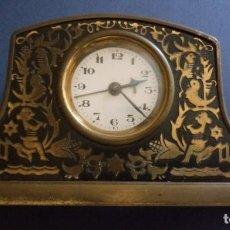 Relojes de carga manual: RELOJ SOBREMESA - 19.50 X 5 CMS - NEGRO Y DORADO. Lote 195118240
