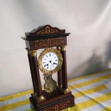 Relojes de carga manual: IMPRESIONANTE RELOJ PÓRTICO CON MARQUETERÍA LIMONCILLO SIGLO XIX. Lote 195125032