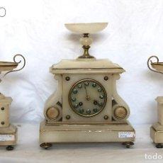 Relojes de carga manual: RELOJ DE ALABASTRO CON GUARNICIÒN. Lote 195264316