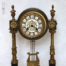 Relojes de carga manual: RELOJ PÓRTICO DE SOBREMESA . Lote 195267582