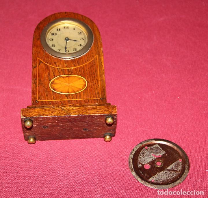 Relojes de carga manual: ANTIGUO RELOJ DE SOBREMESA DE MADERA - Foto 7 - 195302996
