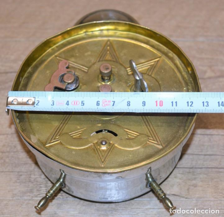 Relojes de carga manual: Despertador Sobremesa Antiguo, de marca FRMB Junghans A Cuerda Metálico - 3 Esferas y Campana - 20,s - Foto 3 - 195309067